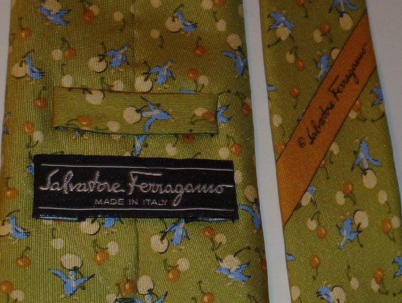 SALVATORE FERRAGAMO Silk TIE Necktie blue BIRDS green backgound