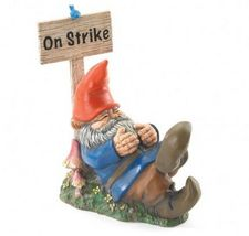 Yard Art Gnome Old Gardner Rest Garden Patio Lawn On A Sit In Strike - $28.99