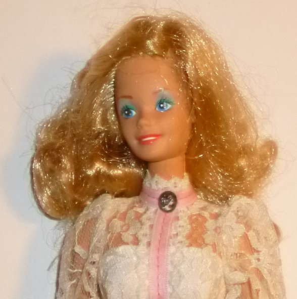 Vintage 80s 1982 BARBIE Doll blonde wearing ANGEL FACE cameo gown