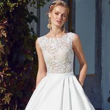 Bridal Fashion Scoop Neck Lace Top Wedding Dresses Sleeveless Pleated Satin Lace image 2
