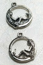 MERMAID IN CIRCLE FINE PEWTER PENDANT CHARM 17x21x3mm image 1