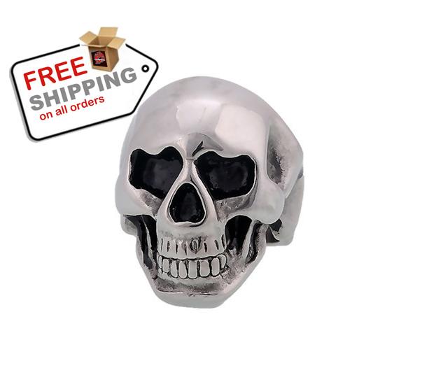 Middle knuckle paver skull ring1