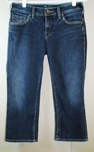SILVER JEANS AIKO Capri - Medium/Dark Wash, Cropped - Size 29 x 21 - $34.64