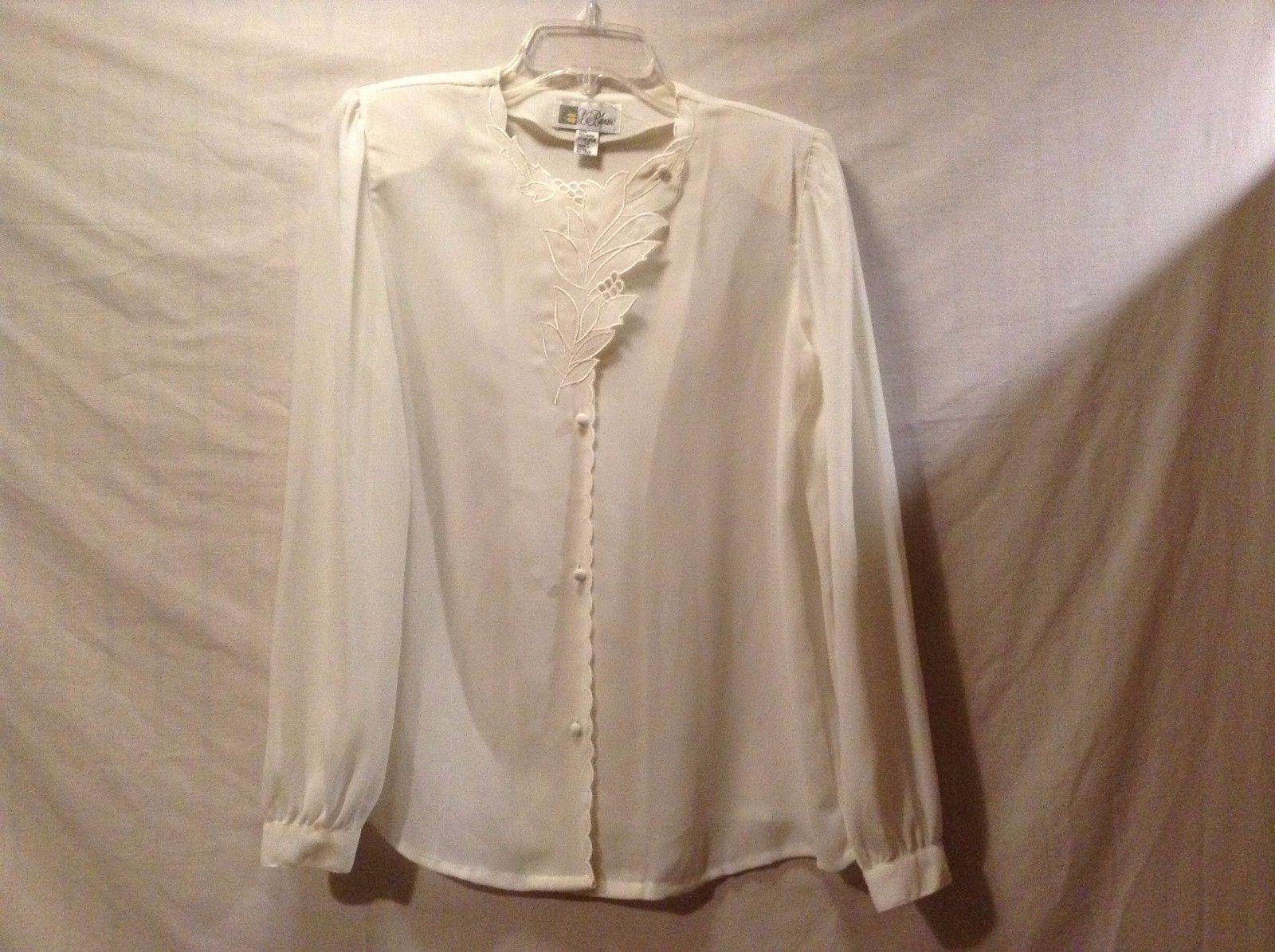 Used Great Condition La Blouse Size 10 White Leaf Collar Button Up Sheer Blouse