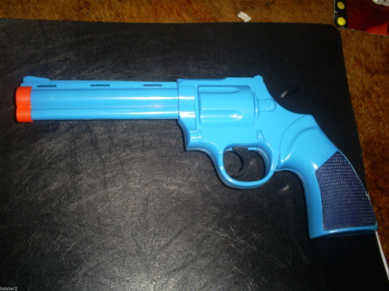 Colt 357 magnum Colt Python (.357), Anaconda(.44)  Diamondback(.22).toy gun 92 N
