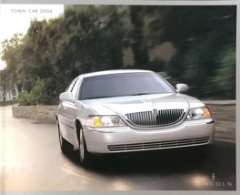 2004 Lincoln TOWN CAR sales brochure catalog 1st Edition US 04 L Ultimate - $10.00