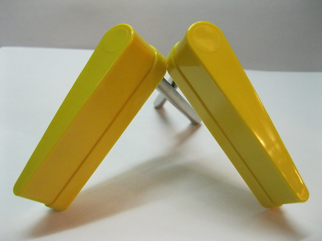 NEW Yellow Flipper Bat w/ No Logo Set of 2 Pinball Flippers