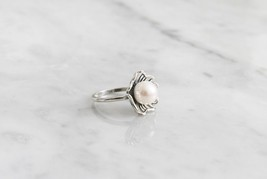 925 sterling silver Daisy flower pointed with Pearl Statement ring - $46.00
