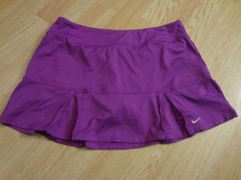 Women's Nike Dri Fit L Fuscia Skirt Squarts - $23.36