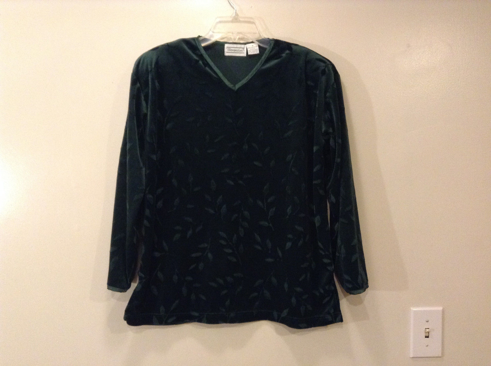 Shenanigans Women's Size S Pullover Shirt Top Dark Emerald Green Burnout Velvet