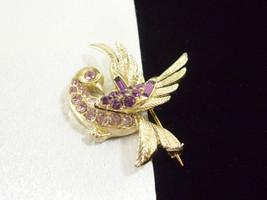 LISNER AMETHYST Rhinestone Bird Brooch Pin Flying Lavender Purple Vintage Estate - $29.69