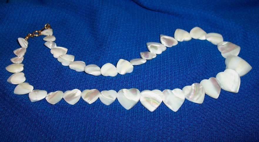 Vintage Signed Avon Genuine Mother of Pearl Heart Necklace !970s-1980s