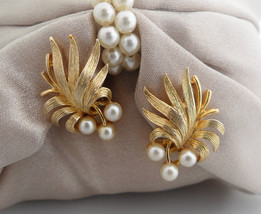 Lisner Clip Earrings Gold Leaf Ear Climber Earrings Pearl Leaf Lisner Ea... - $115.00