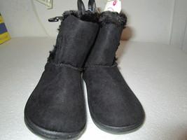 Toddler Girls Black Boot size 8 Brand New - $13.50