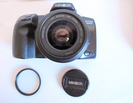 Minolta Maxxum 400si 35mm Film Camera with 35-70 AF ZOOM Lens and Filter - $45.00