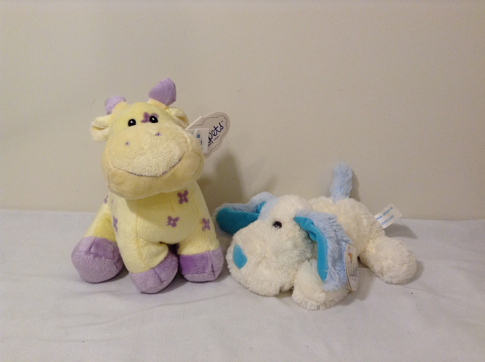 Set of 2 Wishpets Pastel Yellow Purple Rattle Giraffe & Cream Blue Puppy Dog