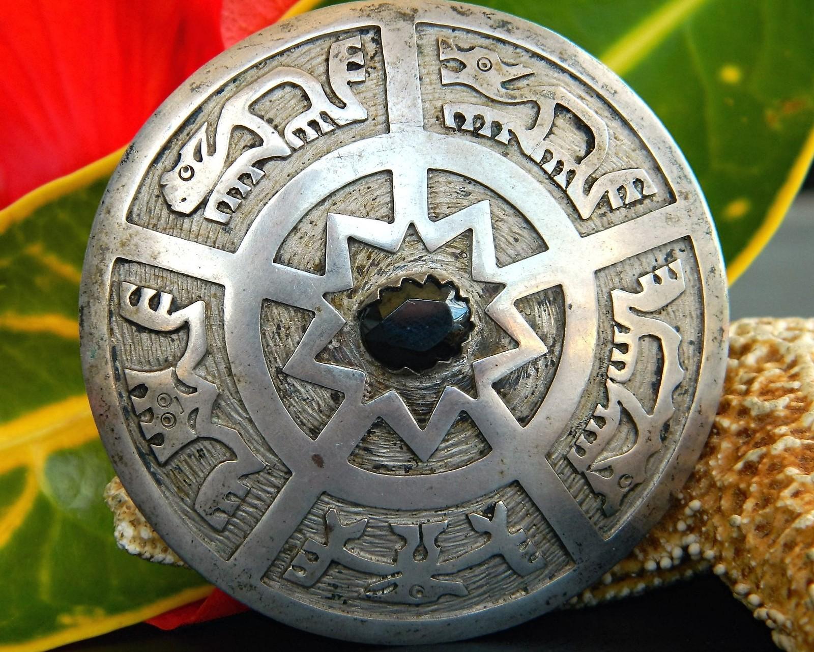 Vintage Ecuador 900 Silver Gemstone Pendant Brooch Animal Petroglyphs