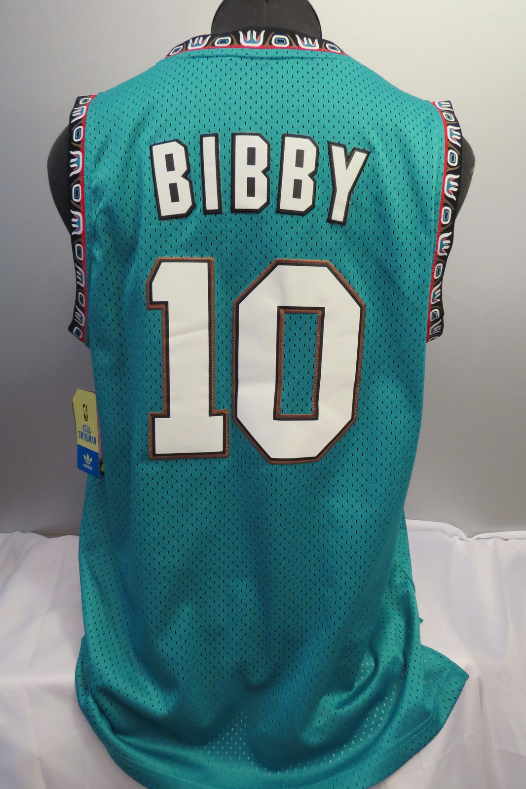 ad83bfea6a0f Vancouver Grizzlies Jersey - Mike Bibby  10 - Adidas Swingman - Men s M (NWT