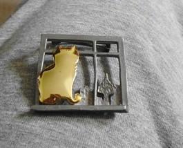 Vintage ULTRA CRAFT Gold Tone Cat Looking Through Pewter Window Brooch Pin - $9.99