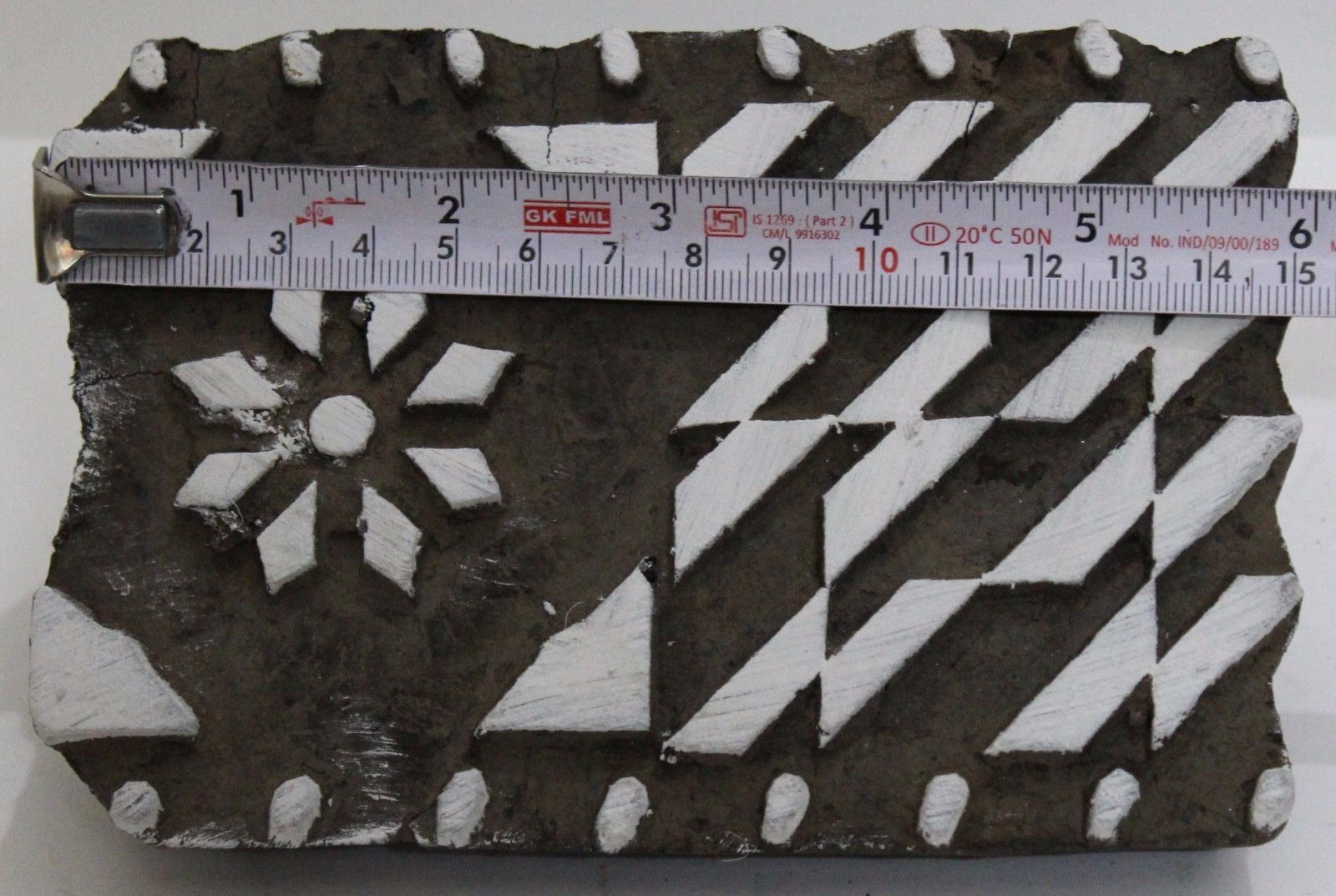 VINTAGE WOODEN HAND CURVED FABRIC PRINTING TEXTILE WOODEN BLOCK.