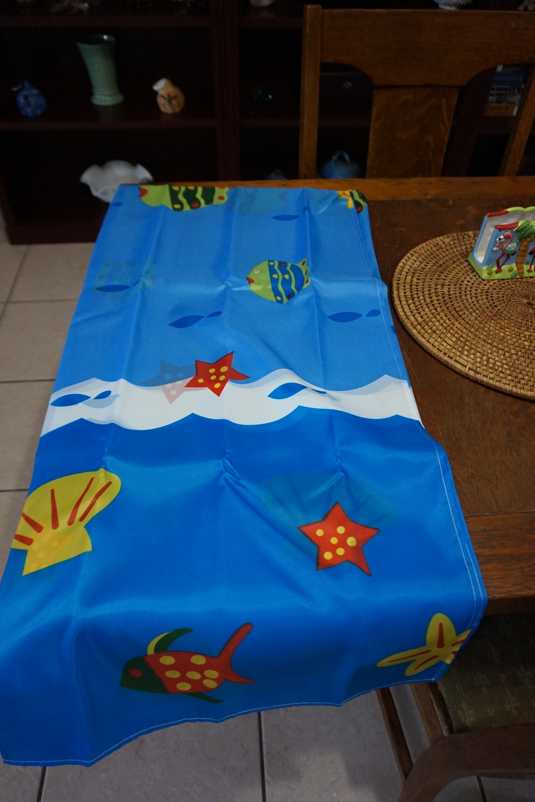 Fish themed shower curtain w matching hooks adorable for Fish themed bathroom