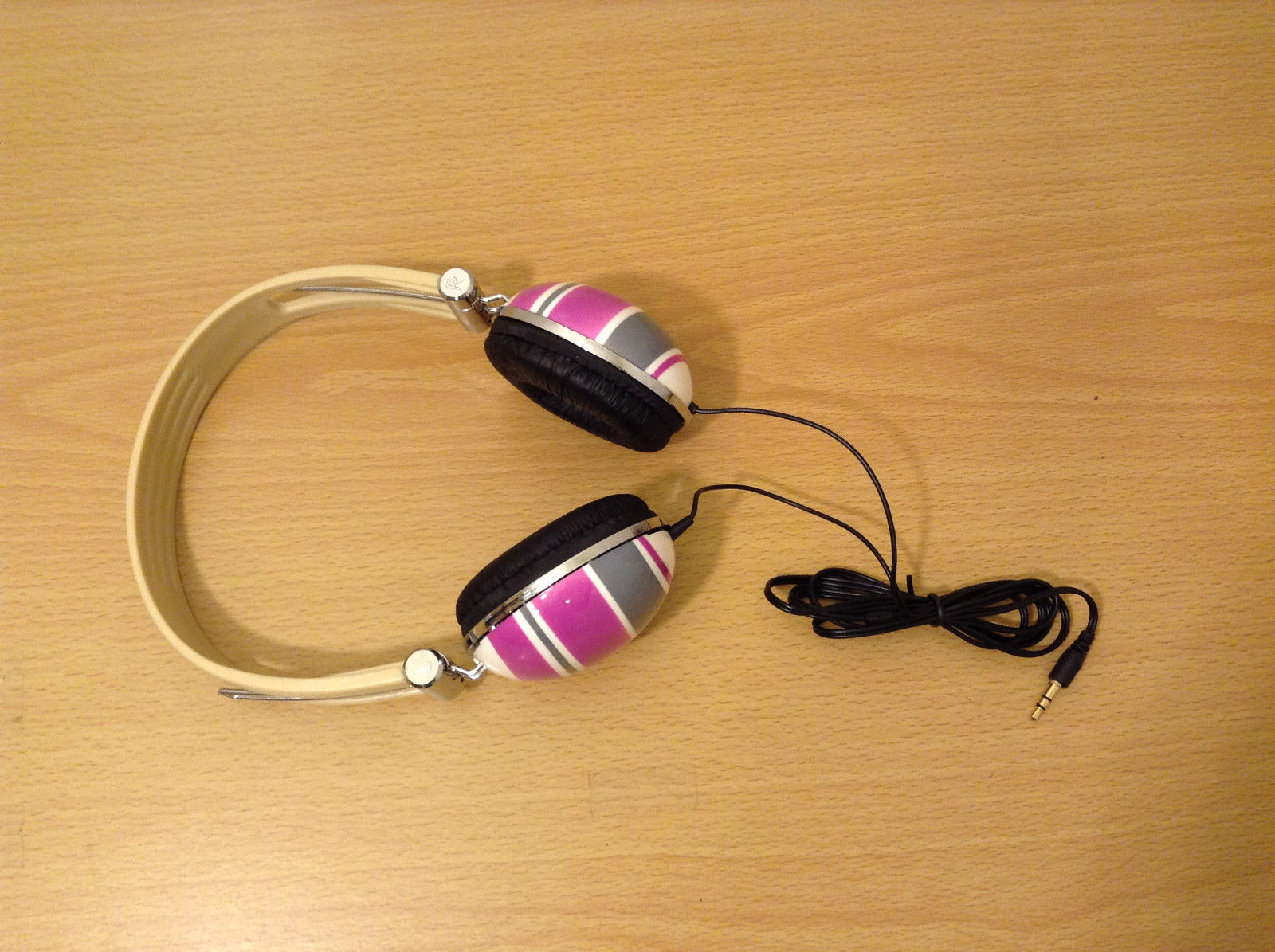 Kids Audio Headphones Adjustable head piece Pink/Gray/White