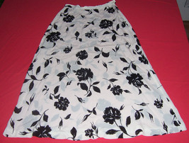Jones New York White & Black Print Skirt Misses Size 8 - $15.84
