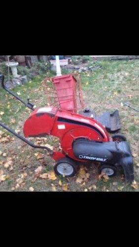 Troy Bilt Chipper Vacuum 5HP   Model 47279   Chipper shredder Gas Powered