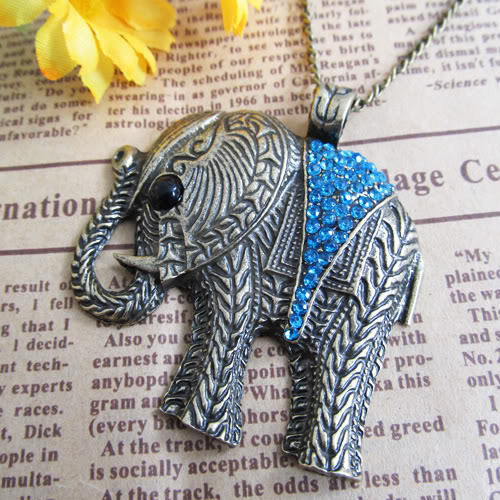 Blue crystal elephant necklace2