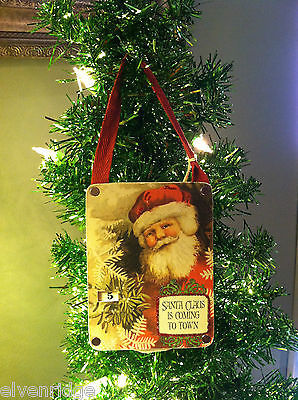 """Santa Claus is Coming to Town"" Christmas Countdown Hanging Wall Decor"