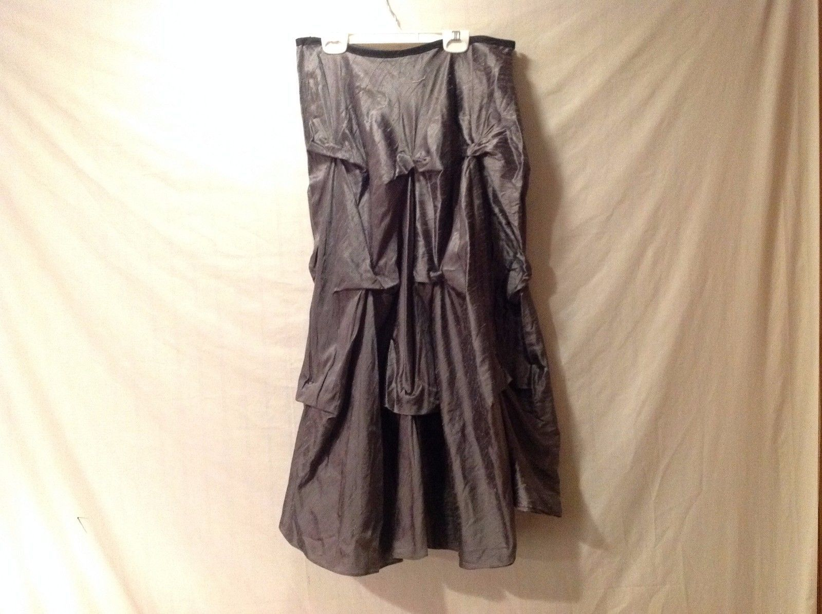 Preowned/excellent condition medium Annie Walwyn-Jones charcoal taffeta skirt