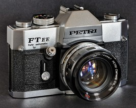 Petri FT EE Fully Automatic 35mm SLR Camera & 55mm f/2 C.C Lens Good 4 S... - $59.00