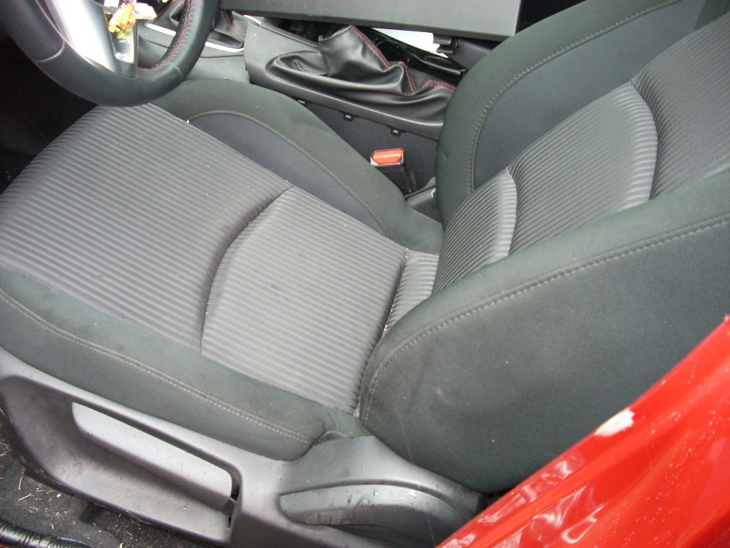 2014 MAZDA 3 FRONT LEFT BLACK SEAT WITH PATTERN, CLOTH, MANUAL WIHT BAG