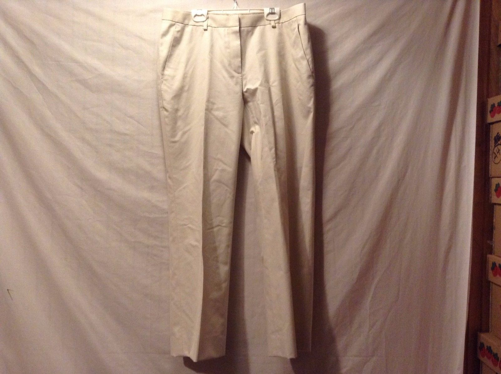 Great Condition Brooks Brothers Advantage Chino Size 8 Off White Pants