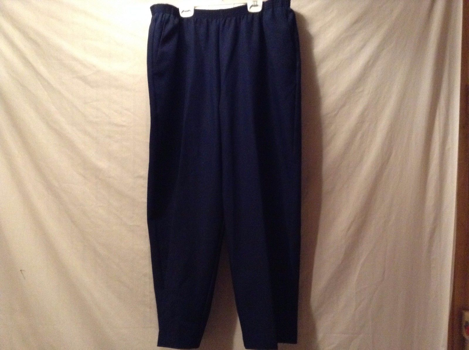 Great Condition Alfred Dunner Woman 20W Navy Blue Pants 100% Polyester Elastic