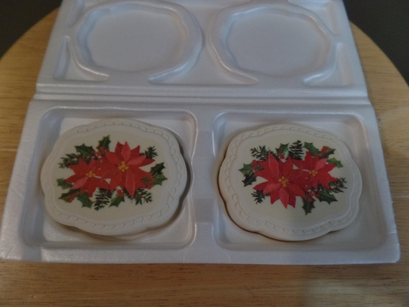Vintage Avon POINSETTIA 2 Fragrance Decaled SOAP Bars in Original BOX