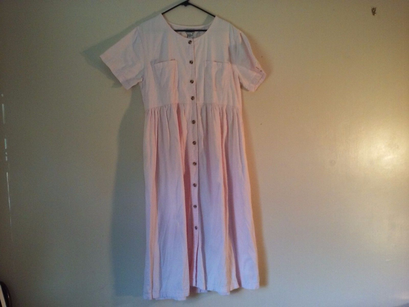 Adorable Great Condition Fads 100% Cotton XL Pink Dress 2 Pockets Minor Stain