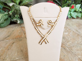 Vintage Crown Trifari Milk Glass Cabochon Necklace and Earring Set Signed - $75.00