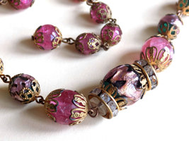 Vintage Glass Bead Choker Necklace Filigree Caps Pink Crackle Glass and Foil Inf image 3