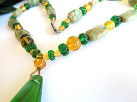 Vintage Glass Beaded Necklace Green & Gold Glass Beads Striped Beads Focal Glass image 3