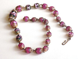 Vintage Glass Bead Choker Necklace Filigree Caps Pink Crackle Glass and Foil Inf image 5