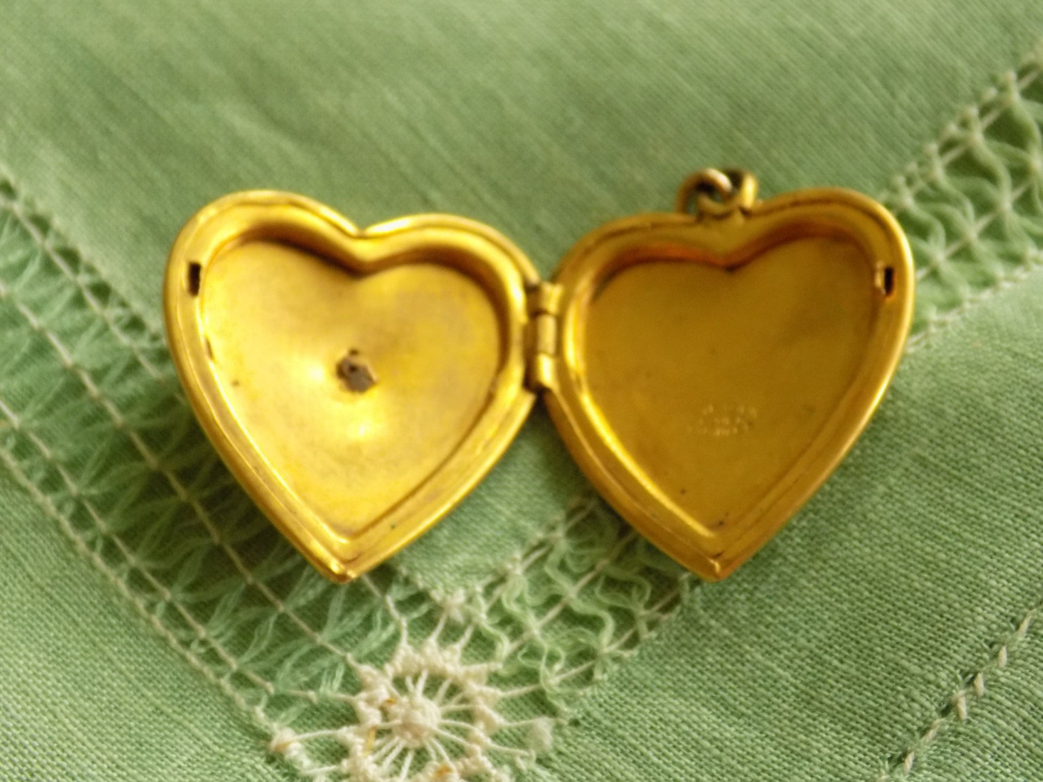 Vintage Gold Filled Heart Locket Pendant Great Seal of the United States of Amer image 2