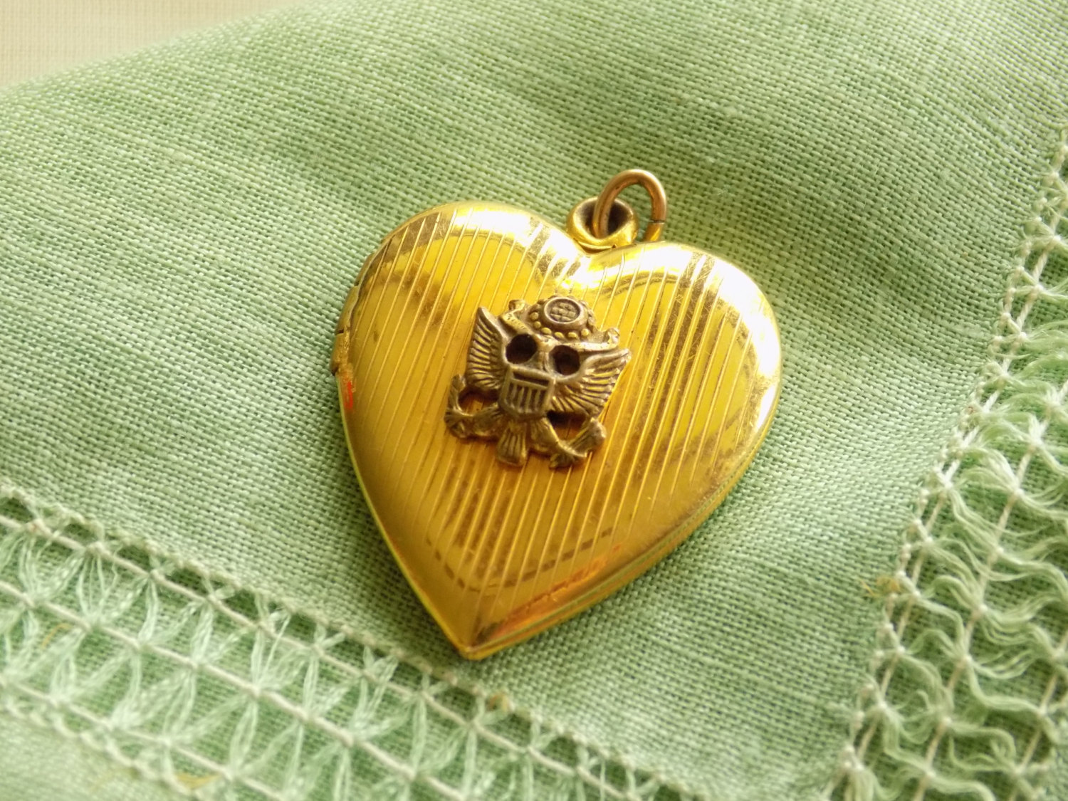Vintage Gold Filled Heart Locket Pendant Great Seal of the United States of Amer image 3