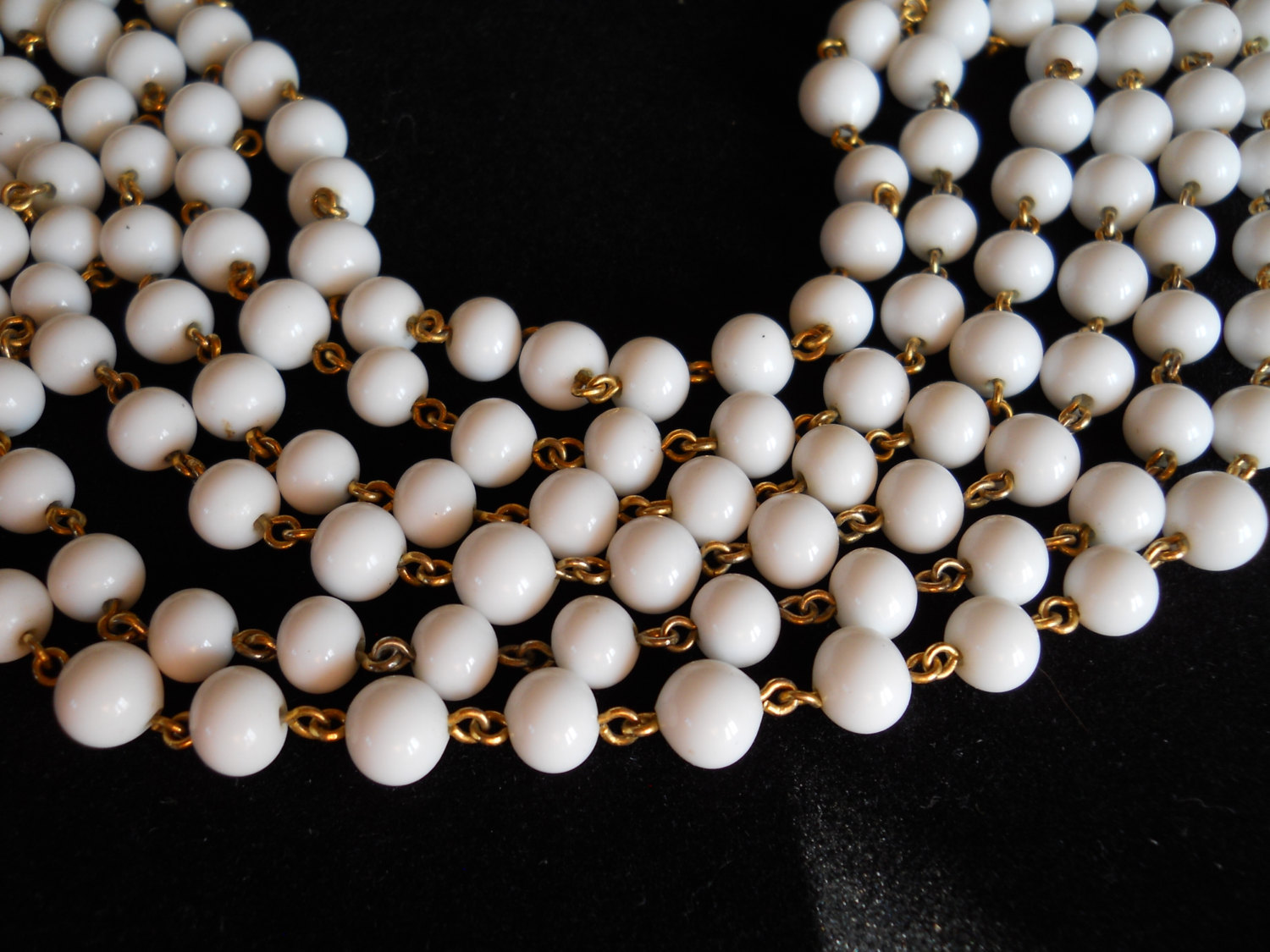 Endless Strand Necklace Milk Glass Bead and Gold Tone Metal Vintage image 3