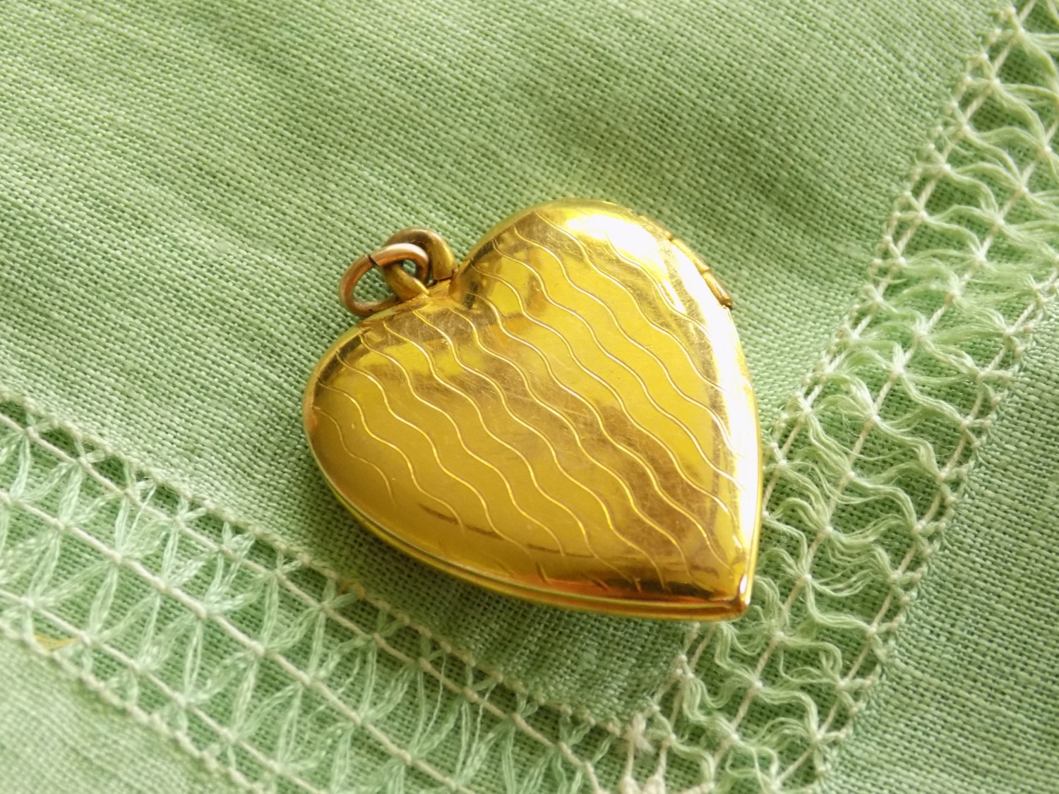 Vintage Gold Filled Heart Locket Pendant Great Seal of the United States of Amer image 5