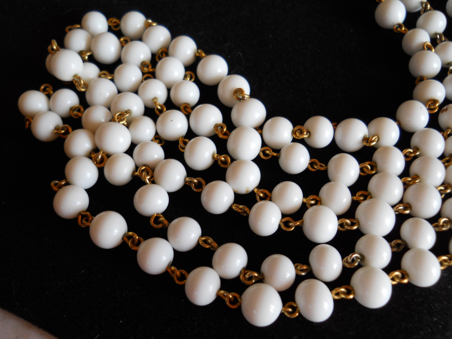Endless Strand Necklace Milk Glass Bead and Gold Tone Metal Vintage image 4