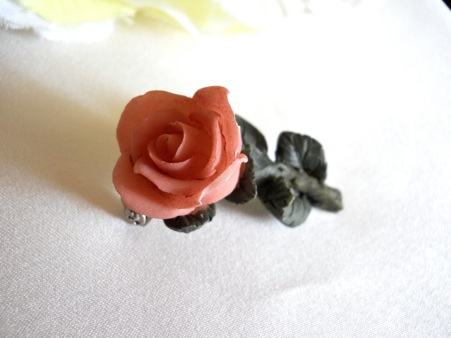 Pink Resin Rose Flower Brooch With Green Leaves Pin Vintage