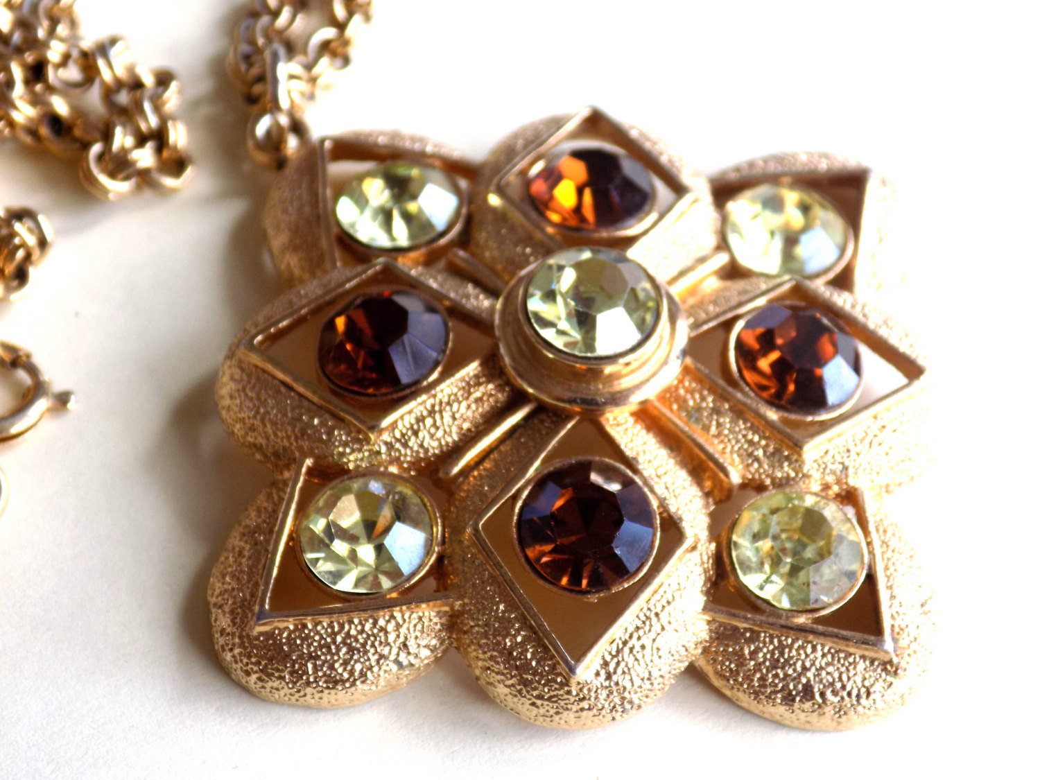 Vintage Sarah Coventry Starburst Necklace Topaz and Yellow Rhinestones Pendant S image 2