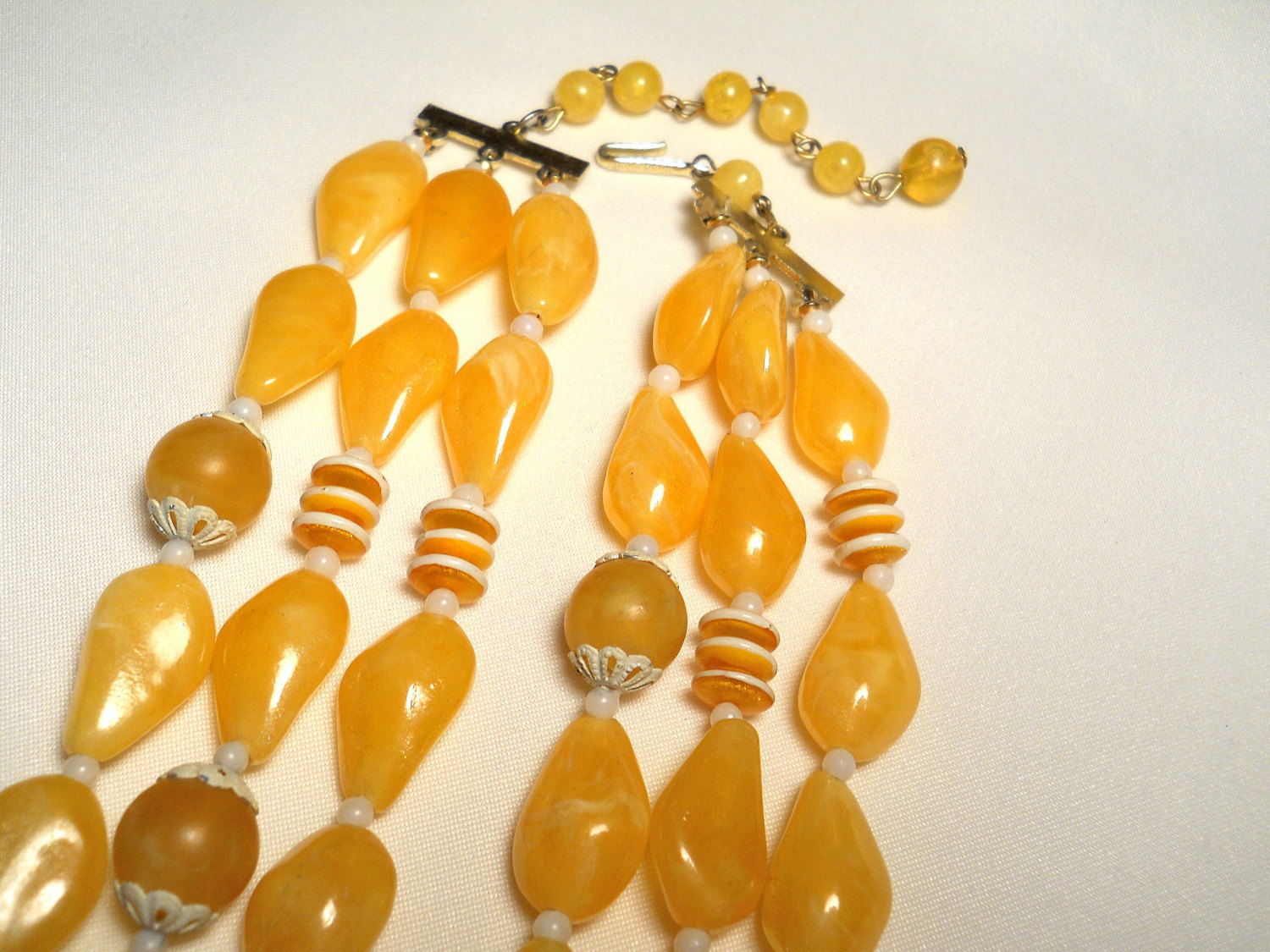 Sunny Yellow and White Plastic Bead Triple Strand Necklace Hong Kong Vintage image 3