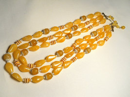 Sunny Yellow and White Plastic Bead Triple Strand Necklace Hong Kong Vintage image 4